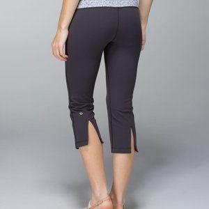 Lululemon Gather & Crow crop soot grey stripe yoga